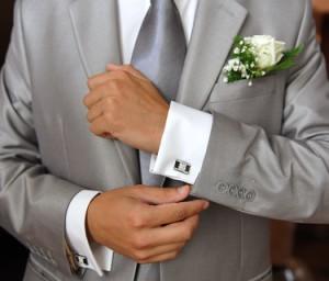 Kleidung in grau