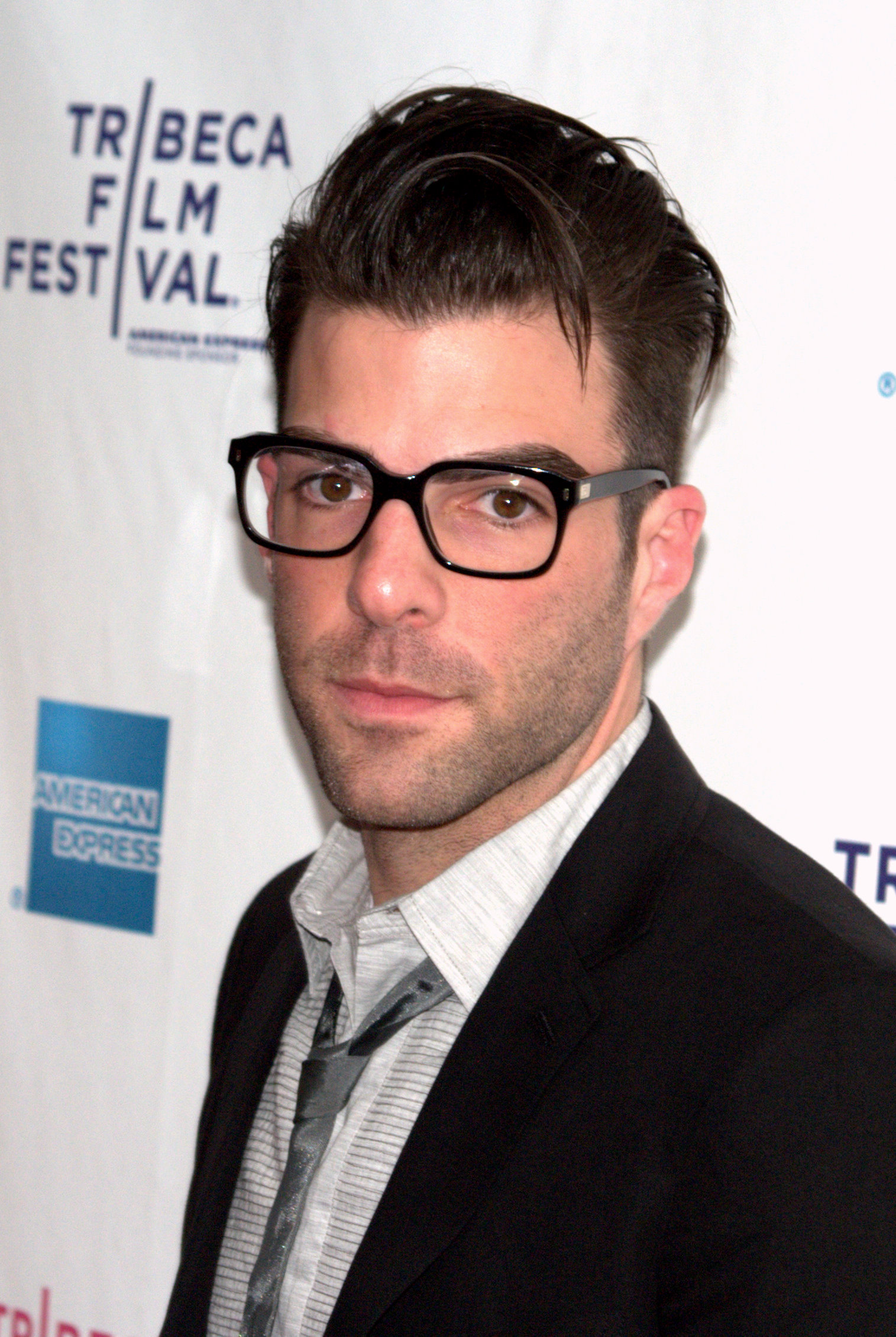 Zachary Quinto Hair Undercut Images & Pictures - Becuo